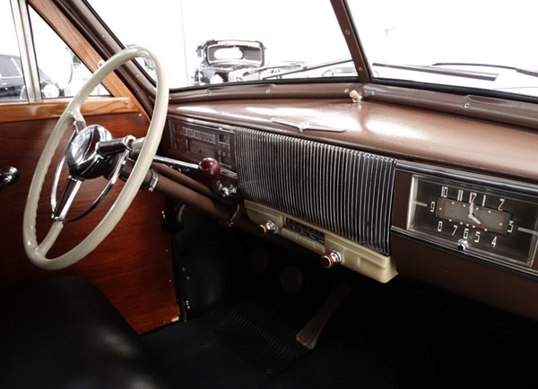 1940 Oldsmobile Serie 70 Woodie Dashboard